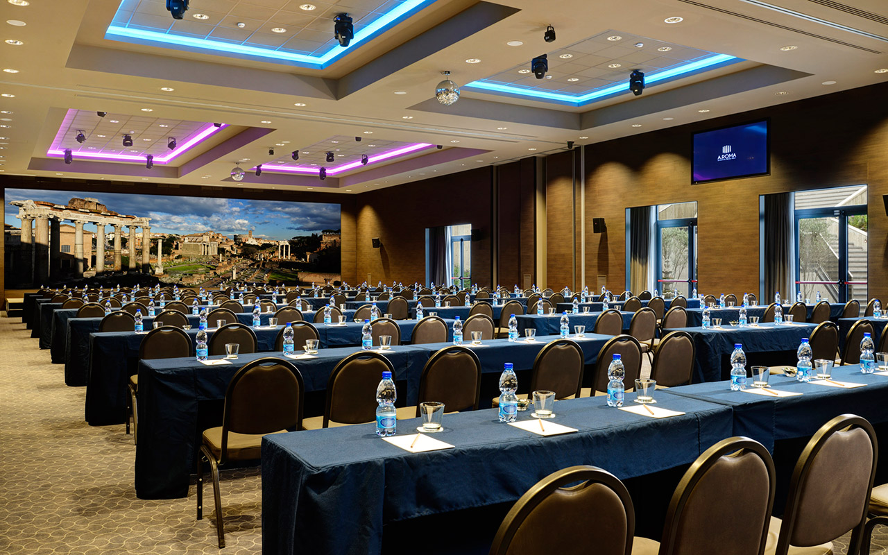 AROMA_Sala_Giove_banchi-conference-and-meeting-rooms-2