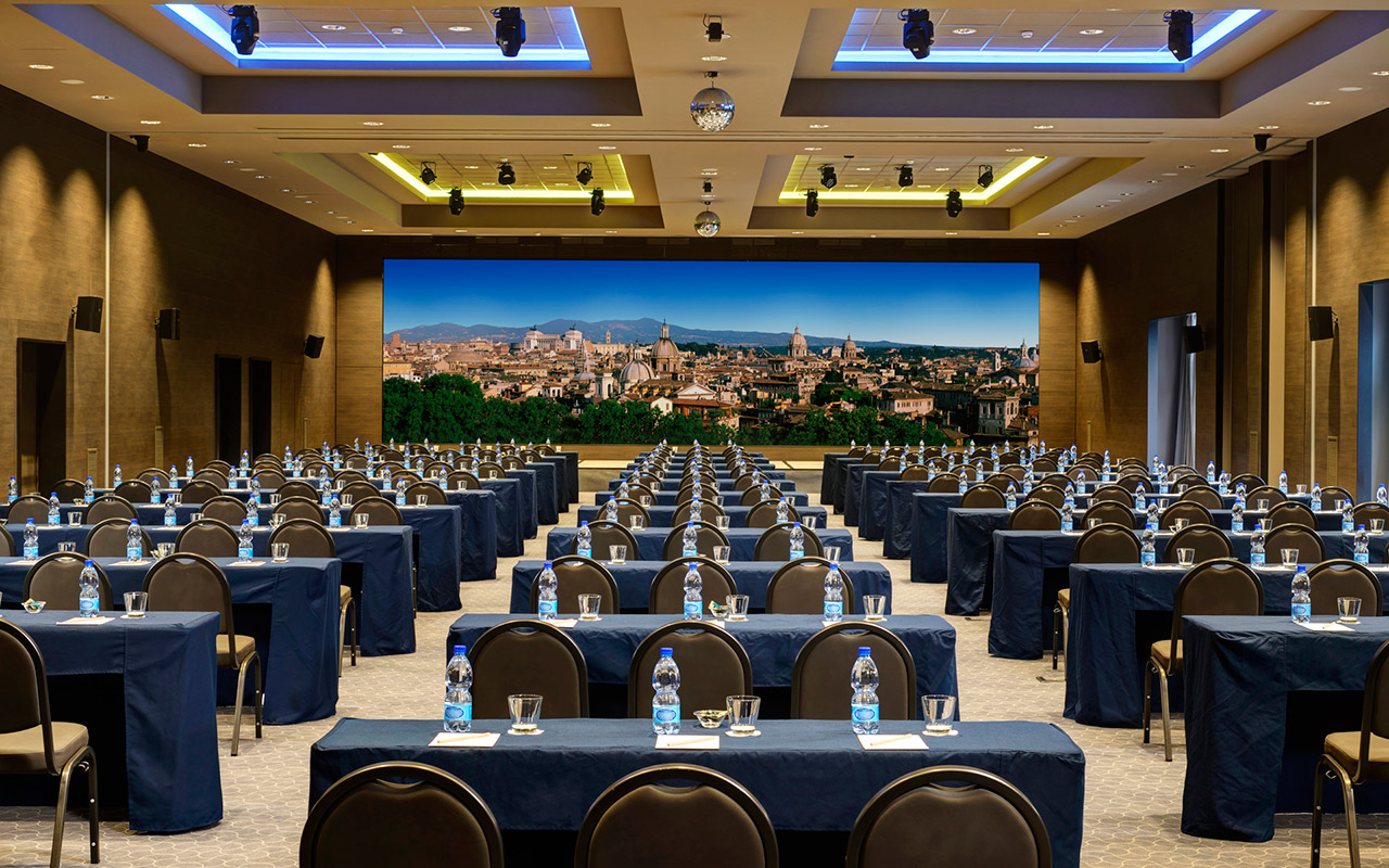 AROMA_Sala_Giove_banchi-conference-and-meeting-rooms