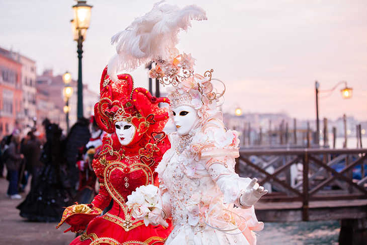 Different Venice Carvival costumes and masks - The Carnival of Venice Is The Best Time To Visit Venice