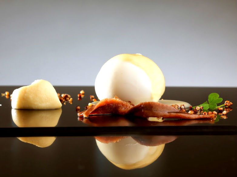 Enrico Bartolini_The dessert with fresh cheese