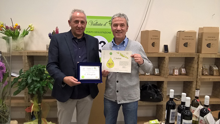 "VILLA MONTE SOLARE OLIVE OIL HAS BEEN AWARDED THE 3RD PLACE BY UMAO IN THE ""VALLATA D'ORO"" CONTEST."